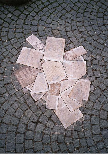 scholl denkmal uni muenchen weisse rose Op naar Mnchen,Hauptstadt der Bewegung